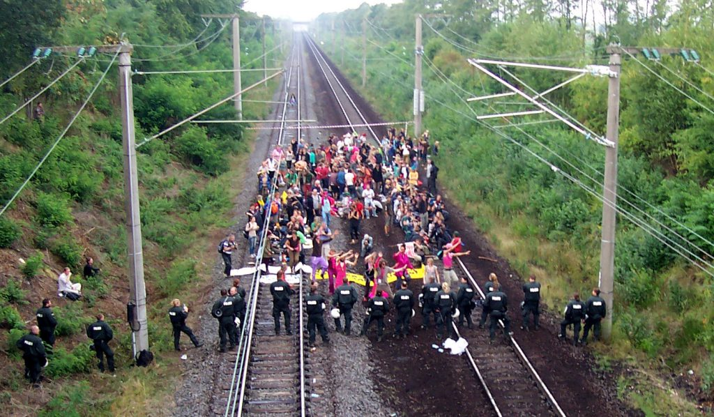 foto-blocco-ferrovia-hambach-2016